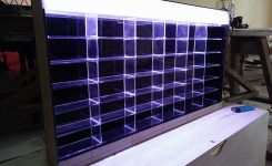 desain box display hotwheels acrylic
