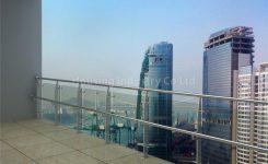 desain railing balkon kaca minimalis