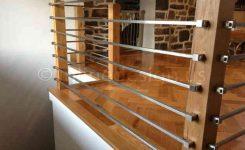 desain railing balkon minimalis