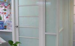 ide desain pintu kamar mandi sederhana