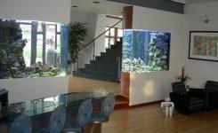 sekat ruangan aquarium mewah